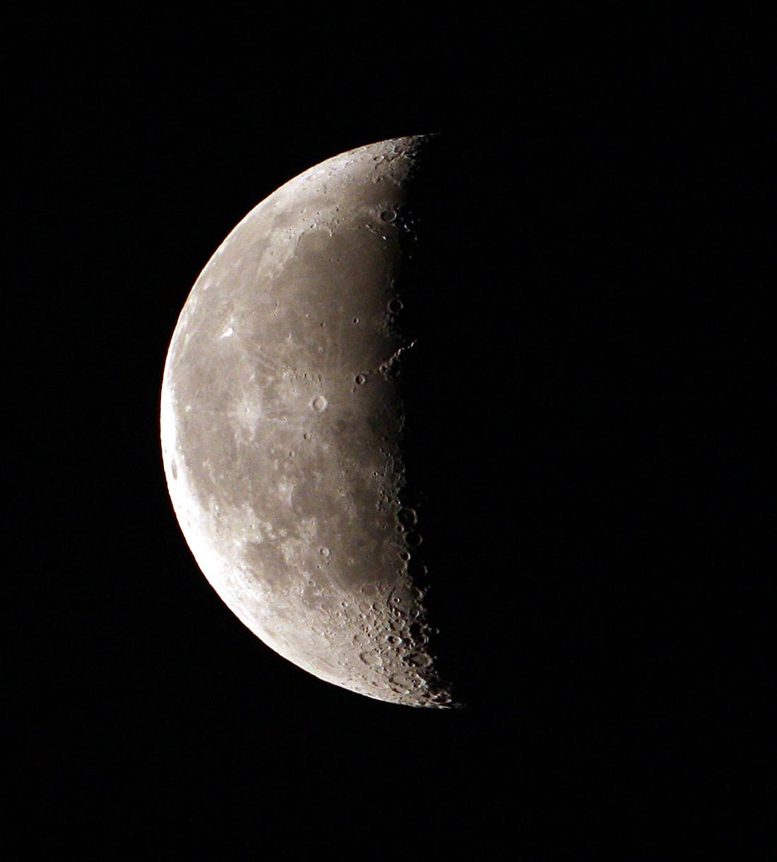 天台上的月光